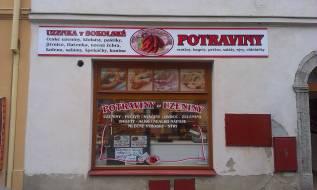 Polep prodejny Uzenka v Sokolské